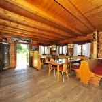 Gastraum der Leonardhütte am Maltaberg